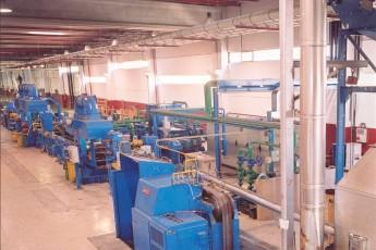 Colada continua con laminador en caliente y tandem de 3 stands laminadores en frio para metal no férrico